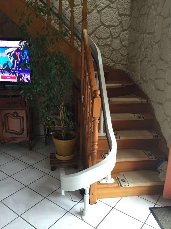 Acm lons le saulnier monte escalier à courbe acorn 180